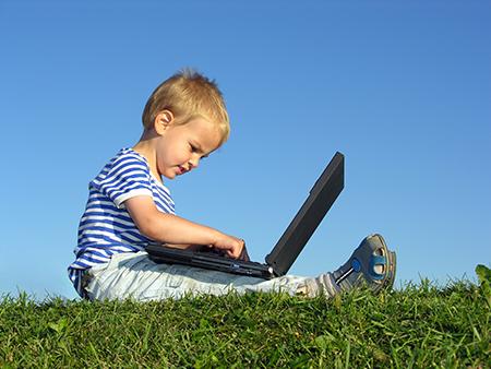 Ernährungstagebuch auf dem Laptop erleichtert die Übersicht